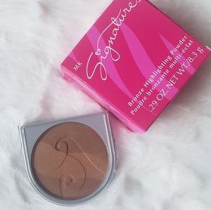🆕️MK- Limited Edition Bronze Highlighting Powder